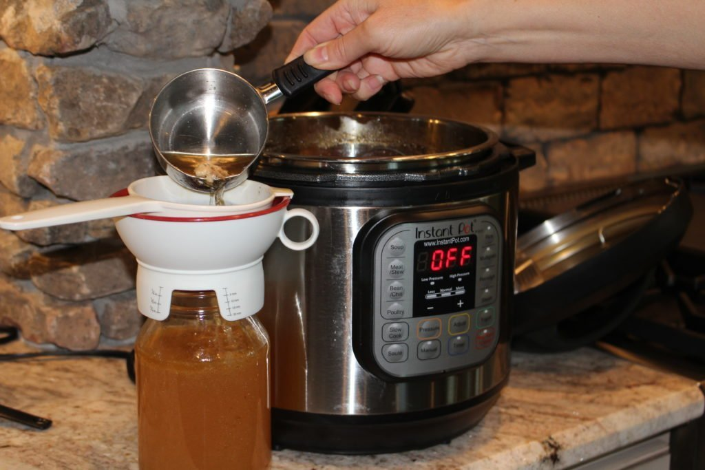 How to cook Bone Broth in an Instant Pot! The easiest, fastest way to make bone broth. www.thehealthnutmama.com