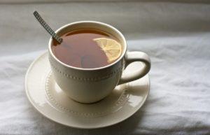 Tumeric Lemon Tea - www.thehealthnutmama.com