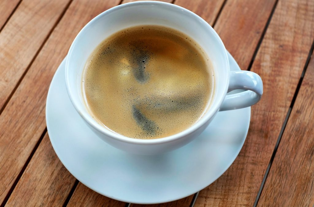 If you are looking for a coffee alternative, here is a delicious recipe that will keep you from missing your cup of Joe! -www.thehealthnutmama.com