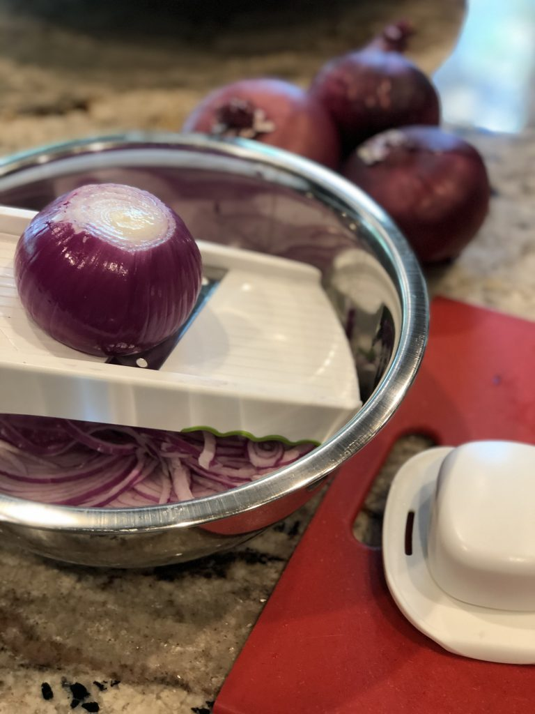 Honey fermented Red Onions are so easy to make & has so many health benefits. Perfect on salads or as a side to accompany any meal. #ferment #honeyferment #honeyfermentedredonions #redonions #onions #naturalremedies #honey #rawhoney #probiotics #naturalprobiotic #thehealthnutmama